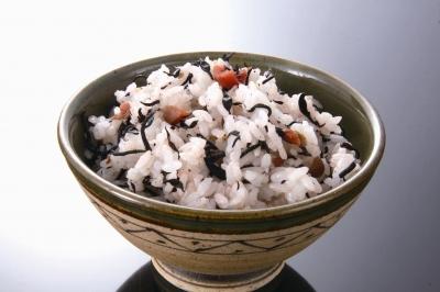 ひじき ご飯 梅